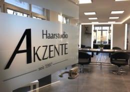 Haarstudio Akzente Schaufensterbeklebung Osnabrück