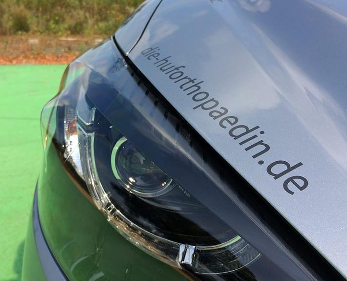 Fahrzeugbeschriftung Huforthopädin