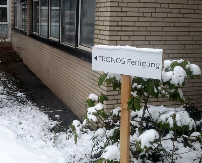 Schild TRONOS Fertigung