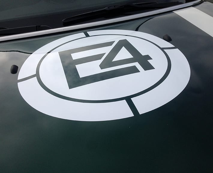 Fahrzeugbeschriftung E4 Mini